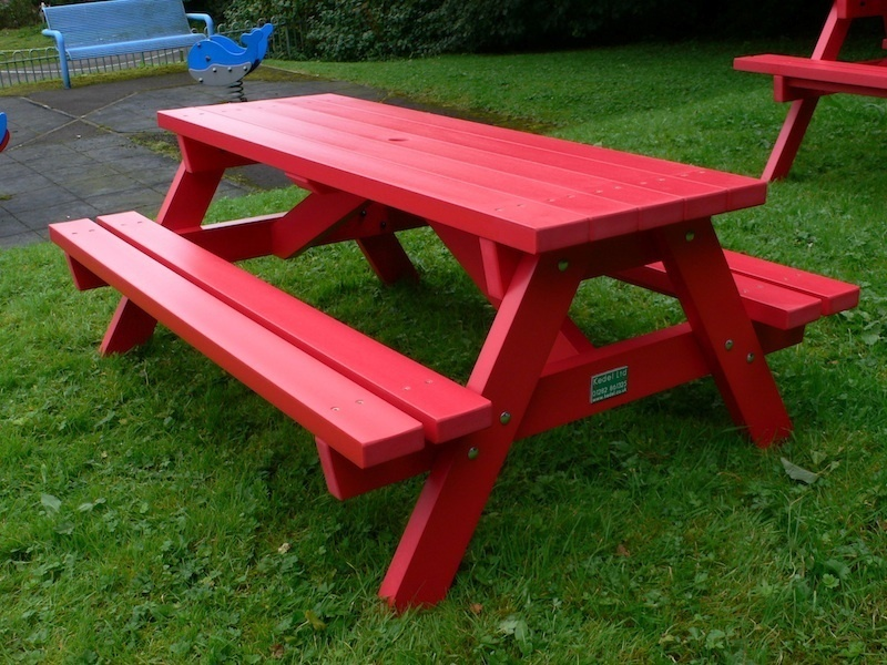 derwent recycled plastic junior picnic tablebench