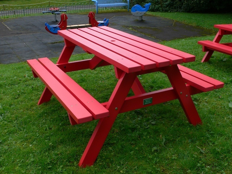 derwent recycled plastic picnic table picnic bench trade. Black Bedroom Furniture Sets. Home Design Ideas