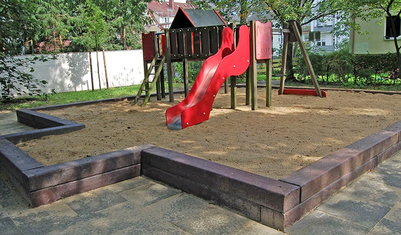 recycled plastic beams and sleepers used for children's climbing playground