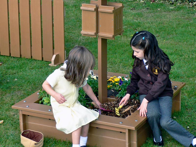 Recycled Plastic Wood Beastie Box/Raised Bed for K2/3 Mini Beastie Projects in Schools