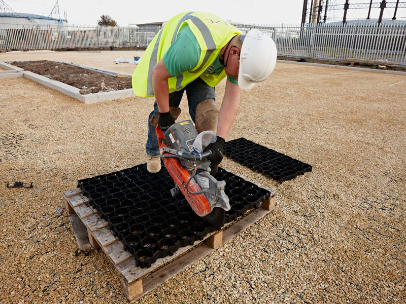 Cutting Kedel Ground Reinforcement Grids