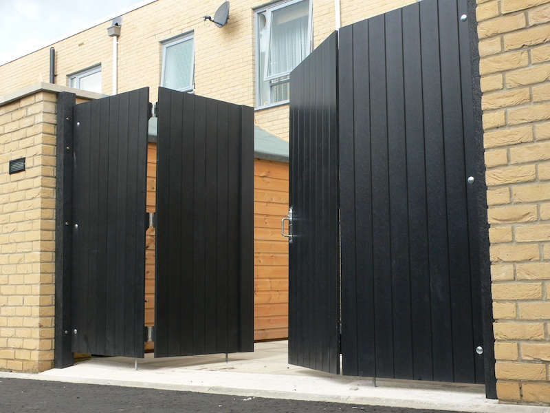 Recycled Plastic Gates - Double folding gates