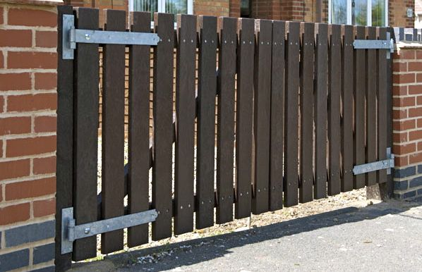 Recycled Plastic Hit and Miss Picket Gate