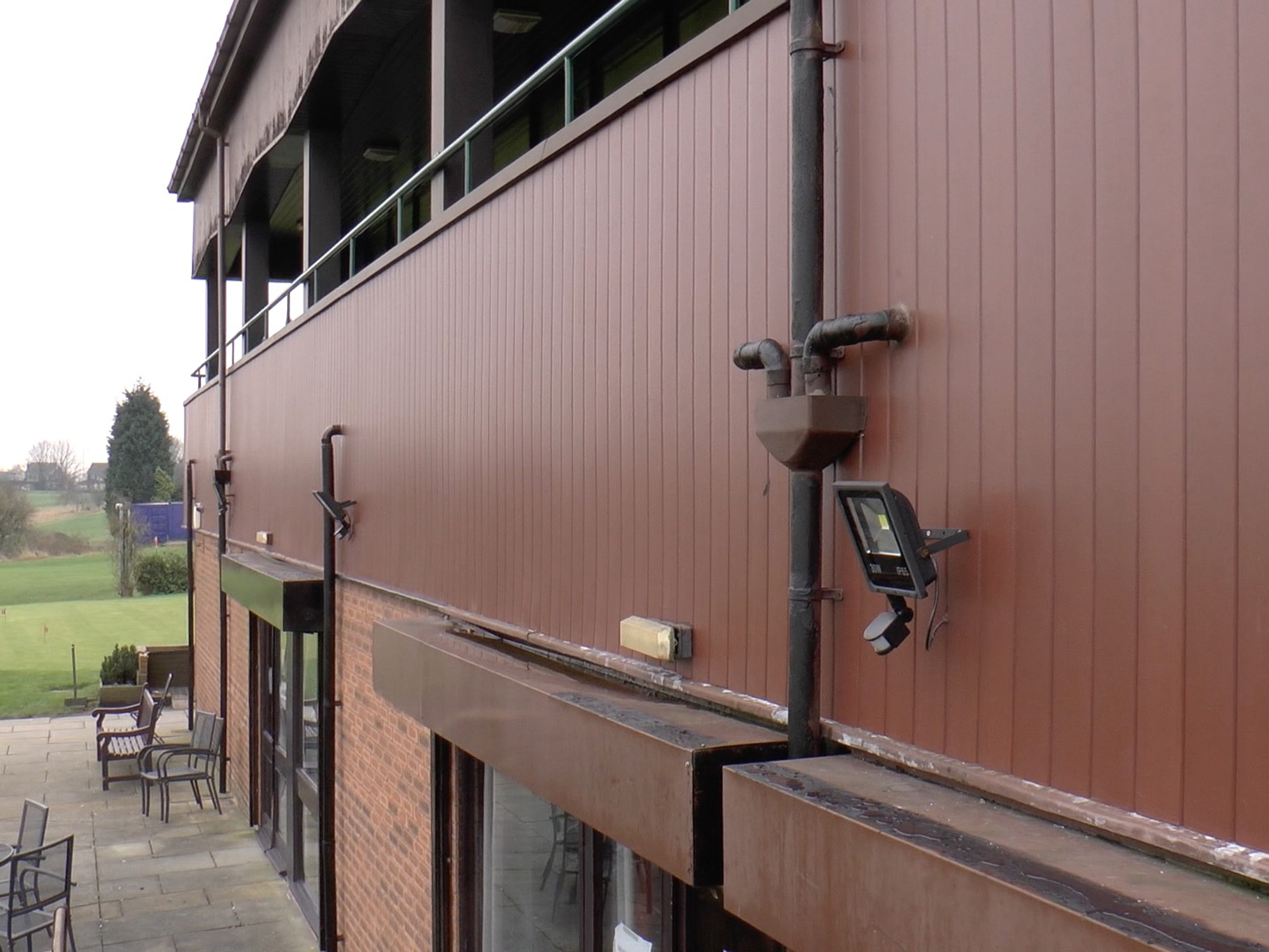 Golf Club installs Plastic Wood Cladding