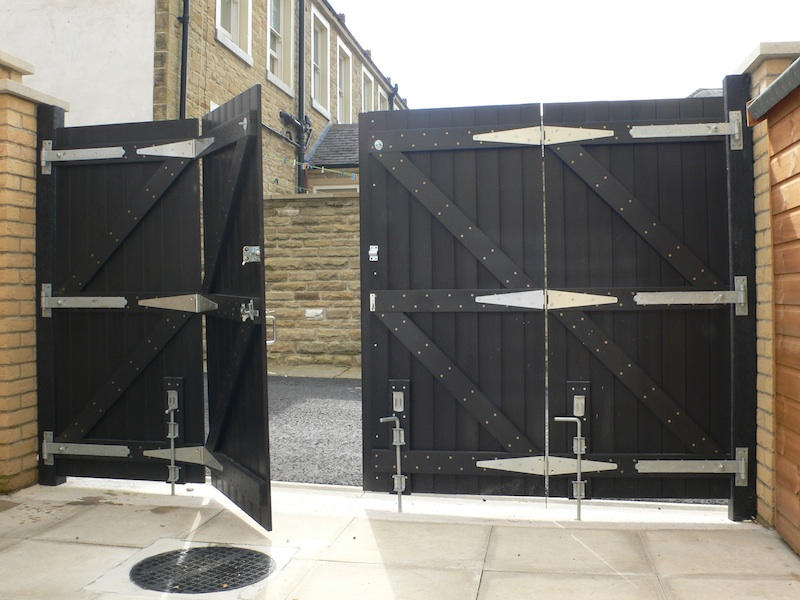 Recycled Plastic Double Gate - rear view