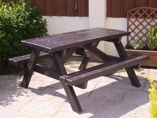 Ribble Picnic Table | Recycled Plastic
