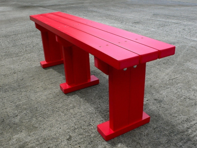 Derwent seat bench recycled plastic wood trade for Outdoor plastic bench seats