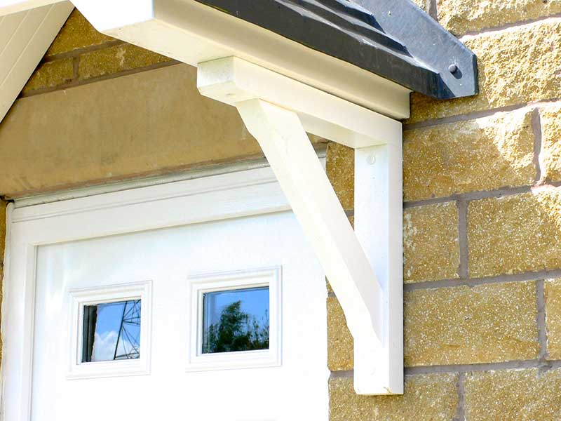 Pair of recycled plastic porch gallows brackets House brackets